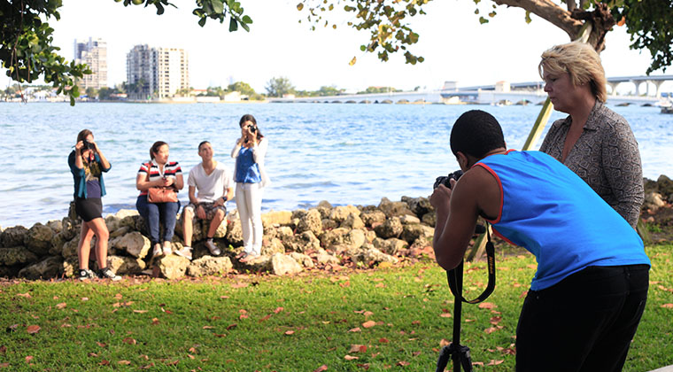 An Introduction to Photography class on a field trip to Margaret Pace Park, a block away from the campus.